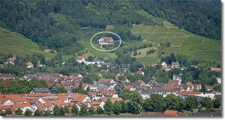 Restaurant hotel landhaushaus am berg oberkirch for Modernes haus am berg